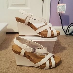 White Aerosoles Wedge Sandals